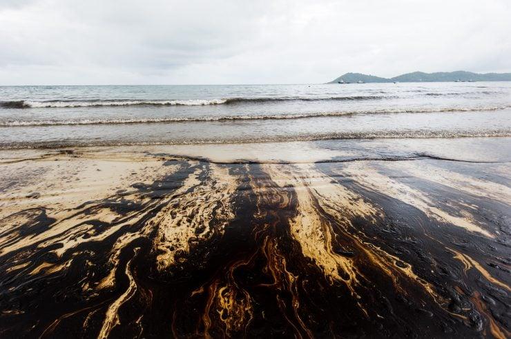 oil stained beach san fran bay