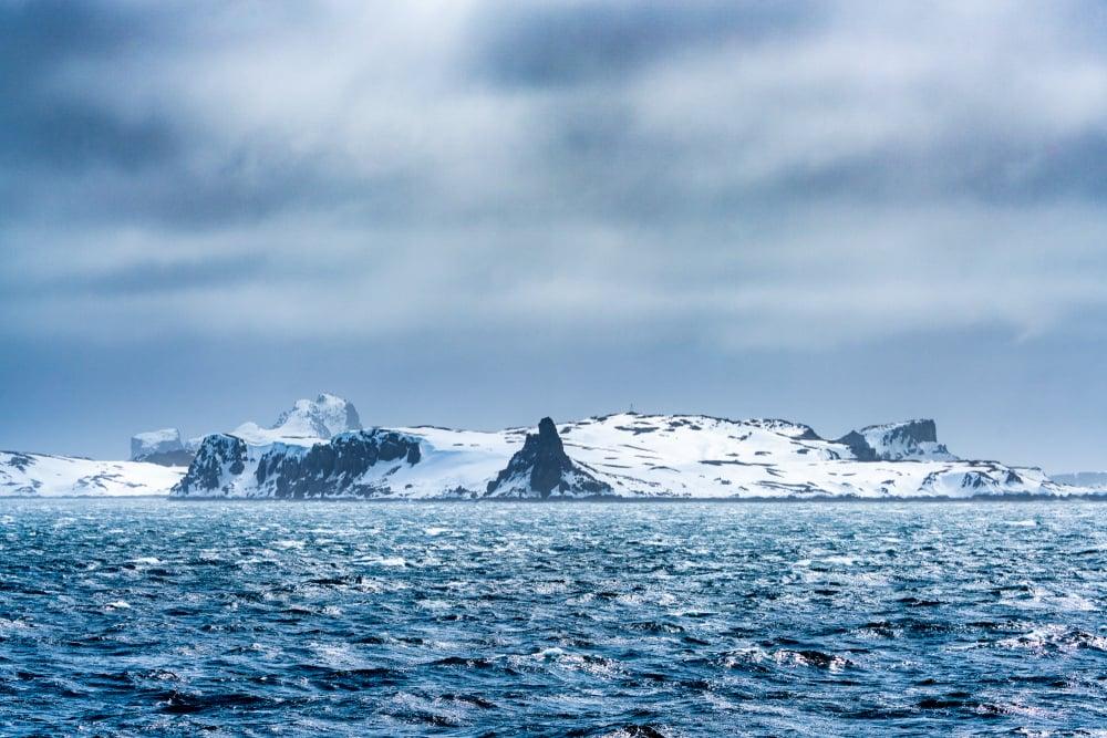 storm in the antarctic ocean